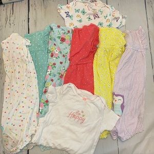 Girls 12-24month jumper and onesie lot.